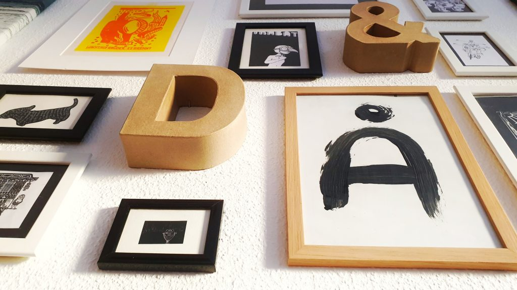 Picture frames and 3D letters