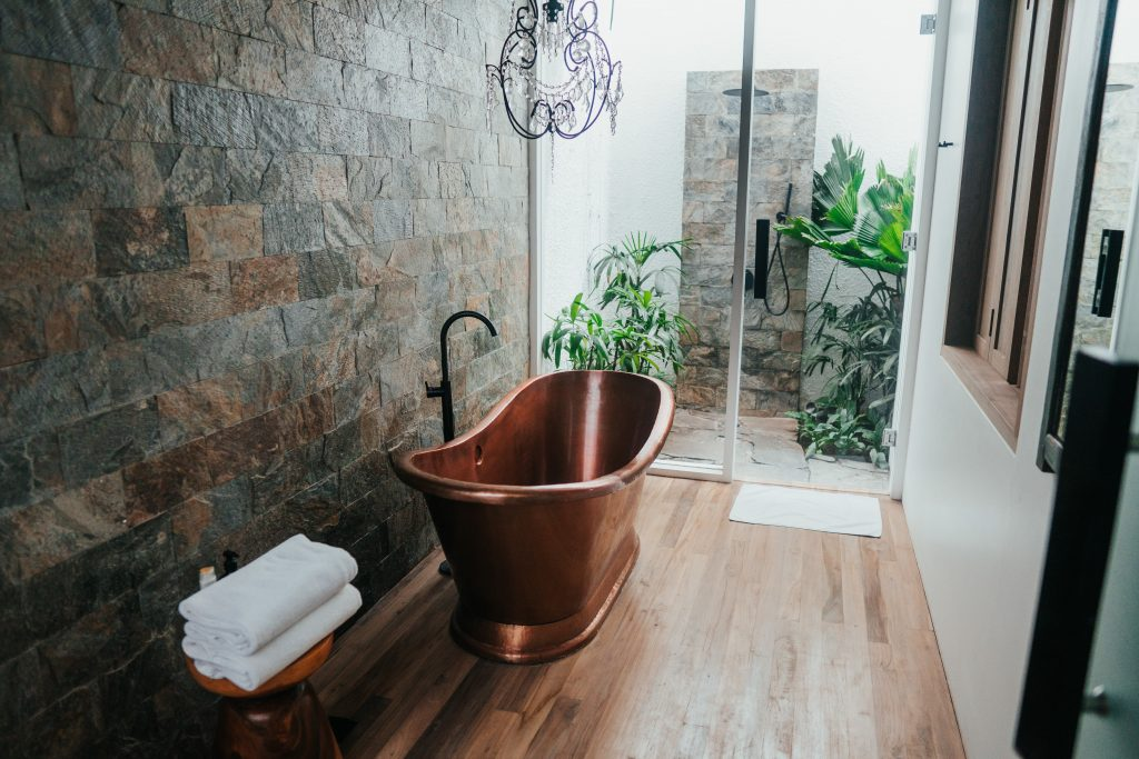 Bathtub in the middle of the room   picture-perfect interior that is absolutely impractical