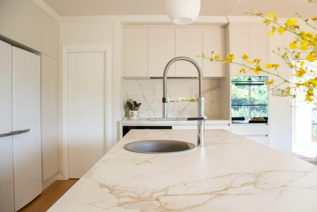 Marble countertop in the kitchen
